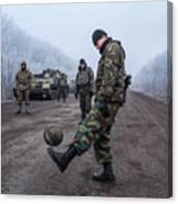 A Ceasefire Is Brokered In War Torn Eastern Ukraine Canvas Print