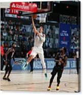 Dallas Mavericks v LA Clippers - Game One Canvas Print