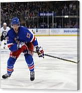 Pittsburgh Penguins v New York Rangers - Game Four Canvas Print