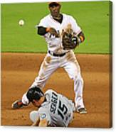 Adeiny Hechavarria and Kyle Seager Canvas Print