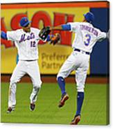 Juan Lagares and Curtis Granderson Canvas Print