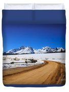 Open Road Tothe Sawtooth Mountains Duvet Cover