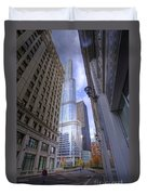0527 Trump Tower From Wrigley Building Courtyard Chicago Duvet Cover