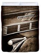 1935 Reo Speed Wagon 6ap Pickup Emblem Duvet Cover