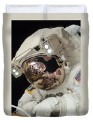 Iss Expedition 38 Spacewalk Duvet Cover