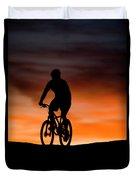 Mountain Biker At Sunset, Moab, Utah Duvet Cover