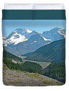 Mountain Peaks From Icefields Parkway-alberta Duvet Cover
