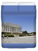 Visitors At The Lincoln Memorial Duvet Cover