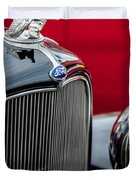 1932 Ford V8 Grille - Hood Ornament Duvet Cover