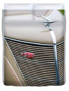 1937 Lincoln-zephyr Coupe Sedan Grille Emblem - Hood Ornament Duvet Cover
