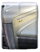 1940 Nash Grille Duvet Cover by Jill Reger