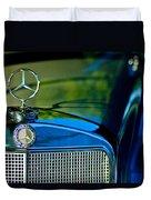 1960 Mercedes-benz 220 Se Convertible Hood Ornament Duvet Cover