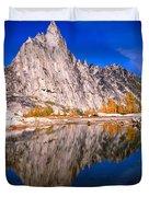 Prusik Peak On Gnome Tarn Duvet Cover