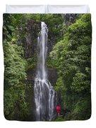 Woman With Umbrella At Wailua Falls Duvet Cover