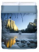 2m6538-yosemite Valley In Winter Duvet Cover