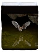 California Leaf-nosed Bat At Pond Duvet Cover
