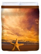 Starfish On The Beach At Sunset Duvet Cover