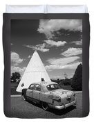 Route 66 Wigwam Motel And Classic Car Duvet Cover
