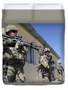A Group Of U.s. Army Soldiers Provide Duvet Cover