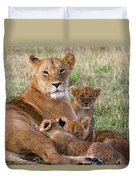 African Lioness And Young Cubs Duvet Cover