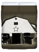 Amish Barn And Buggies Duvet Cover