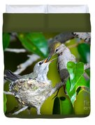 Annas Hummingbirds At Nest Duvet Cover