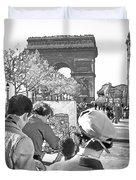 Arc De Triomphe Painter - B W Duvet Cover