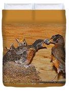 Baby Robins Feeding  An5141-14 Duvet Cover