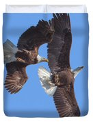 Bald Eagle Chase Over Pohick Bay Drb148 Duvet Cover