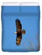 Bald Eagle Soaring Over Trees Duvet Cover
