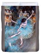 Ballerina On Pointe  Duvet Cover