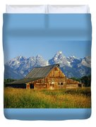 1m9394-barn And The Tetons Duvet Cover