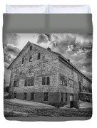 Barn At Amhi   7k00333 Duvet Cover by Guy Whiteley