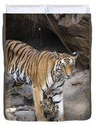 Bengal Tiger And Cubs Bandhavgarh Np Duvet Cover