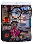 Betty Boop At Albuquerque's 66 Diner Duvet Cover