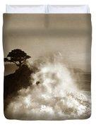 Big Wave Hitting The Lone Cypress Tree Pebble Beach California 1916 Duvet Cover