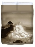 Big Wave Hitting The Lone Cypress Tree Pebble Beach California 1916 Duvet Cover