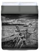 Black And White Photo Of A Wood Fence At The John Moulton Farm Duvet Cover