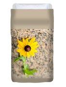 Black-eyed Susan Flower On A Gneiss Rock Duvet Cover
