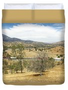 Bnsf4604 Manifest Westbound In The Tehachipi Loop. Duvet Cover