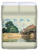 Bridge At Hampton Court Duvet Cover