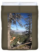 Bryce Canyon Overlook With Dead Trees Duvet Cover