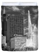 Buckingham Fountain Sears Tower Black And White Duvet Cover