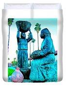 Cahuilla Women Sculpture In Palm Springs-california  Duvet Cover