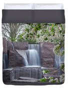 Cascading Waters At The Roosevelt Memorial Duvet Cover