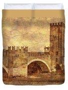 Castel Vecchio And Bridge In Verona Italy Duvet Cover