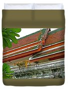 Cat On A Wat Po Roof In Bangkok-thailand Duvet Cover
