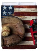 Catchers Glove On American Flag Duvet Cover