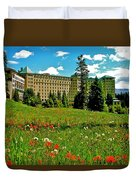 Chateau Lake Louise In Banff Np-alberta Duvet Cover