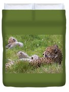 Cheetah With Cubs Duvet Cover
